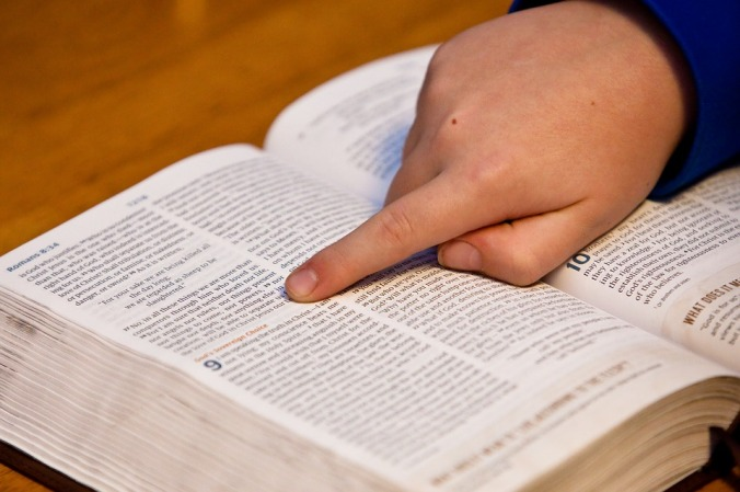 bible-study-1634647_960_720